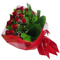 İzmit çiçekçi mağazası  12 adet kirmizi essiz gül buketi - SEVENE ÖZEL