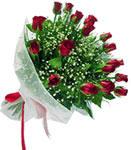 İzmit kaliteli taze ve ucuz çiçekler  11 adet kirmizi gül buketi sade ve hos sevenler