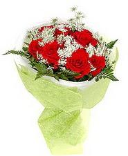 İzmit anneler günü çiçek yolla  7 adet kirmizi gül buketi tanzimi