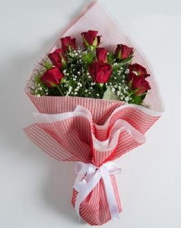 9 adet kırmızı gülden buket  İzmit 14 şubat sevgililer günü çiçek