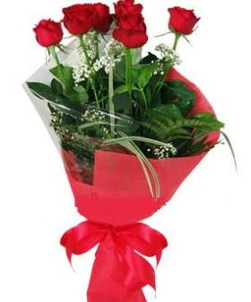 5 adet kırmızı gülden buket  İzmit çiçekçi mağazası