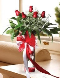 Camda 5 kırmızı gül tanzimi  İzmit uluslararası çiçek gönderme