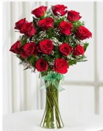 Cam vazo içerisinde 11 kırmızı gül vazosu  İzmit çiçekçi telefonları