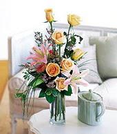 İzmit anneler günü çiçek yolla  cam yada mika vazo içerisinde gül kazablanka