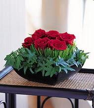 İzmit çiçek mağazası , çiçekçi adresleri  10 adet kare mika yada cam vazoda gül tanzim