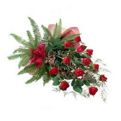 İzmit çiçek yolla , çiçek gönder , çiçekçi   10 adet kirmizi gül özel buket çiçek siparisi