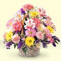 İzmit çiçek yolla  sepet içerisinde gül ve mevsim