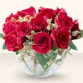 İzmit çiçek , çiçekçi , çiçekçilik  mika yada cam içerisinde 10 gül - sevenler için ideal seçim -