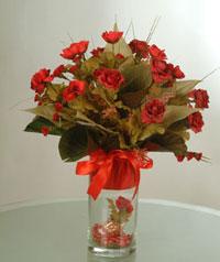 yapay güllerden vazo  9 gül  İzmit çiçek yolla