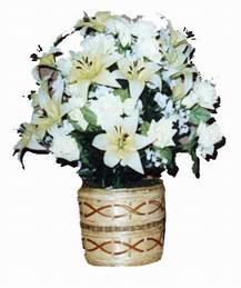 yapay karisik çiçek sepeti   İzmit hediye çiçek yolla
