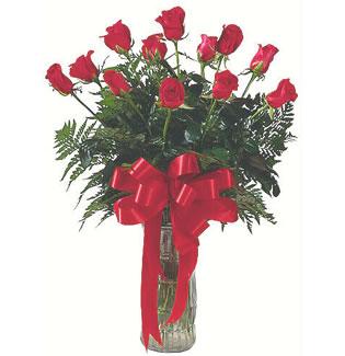 12 adet gül cam içerisinde  İzmit çiçek gönderme sitemiz güvenlidir