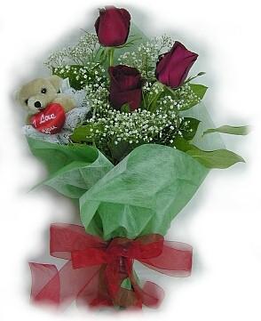 3 adet gül ve küçük ayicik buketi  İzmit İnternetten çiçek siparişi