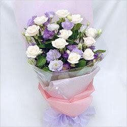 İzmit kaliteli taze ve ucuz çiçekler  BEYAZ GÜLLER VE KIR ÇIÇEKLERIS BUKETI