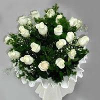 İzmit çiçek online çiçek siparişi  11 adet beyaz gül buketi ve bembeyaz amnbalaj
