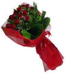 İzmit online çiçek gönderme sipariş  10 adet kirmizi gül demeti