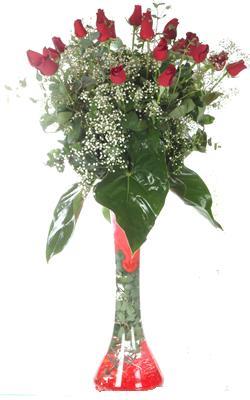 İzmit çiçek yolla  19 ADET GÜL VE FIL CAM AYAGI