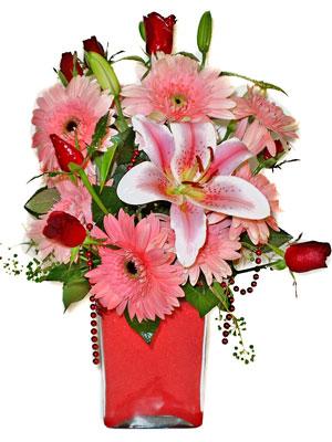 İzmit İnternetten çiçek siparişi  karisik cam yada mika vazoda mevsim çiçekleri mevsim demeti