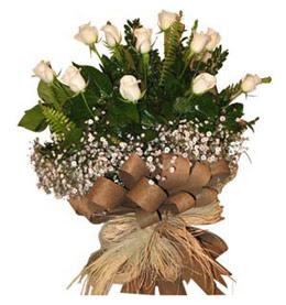 İzmit uluslararası çiçek gönderme  9 adet beyaz gül buketi