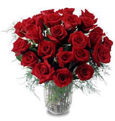 İzmit online çiçek gönderme sipariş  11 adet kirmizi gül cam yada mika vazo içerisinde