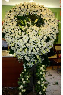 Cenaze çelenk , cenaze çiçekleri , çelengi  İzmit 14 şubat sevgililer günü çiçek