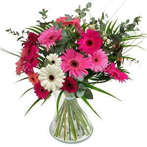 15 adet gerbera ve vazo çiçek tanzimi  İzmit çiçek yolla , çiçek gönder , çiçekçi