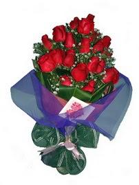 12 adet kirmizi gül buketi  İzmit çiçek yolla , çiçek gönder , çiçekçi