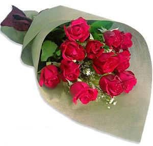 Uluslararasi çiçek firmasi 11 adet gül yolla  İzmit hediye çiçek yolla