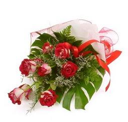 Çiçek gönder 9 adet kirmizi gül buketi  İzmit online çiçekçi , çiçek siparişi