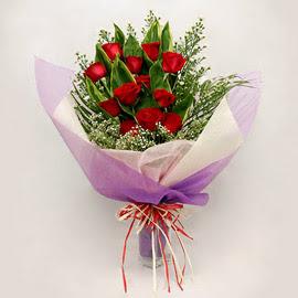 çiçekçi dükkanindan 11 adet gül buket  İzmit çiçek servisi , çiçekçi adresleri