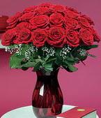 İzmit çiçek , çiçekçi , çiçekçilik  11 adet Vazoda Gül sevenler için ideal seçim