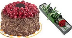 1 adet yas pasta ve 1 adet kutu gül  İzmit çiçek yolla