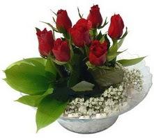 İzmit kaliteli taze ve ucuz çiçekler  cam yada mika içerisinde 5 adet kirmizi gül