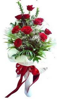 İzmit hediye sevgilime hediye çiçek  10 adet kirmizi gül buketi demeti