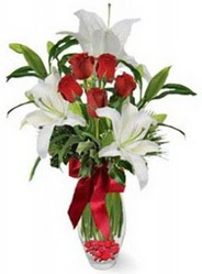 İzmit online çiçekçi , çiçek siparişi  5 adet kirmizi gül ve 3 kandil kazablanka