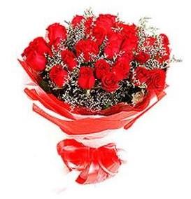 İzmit hediye çiçek yolla  12 adet kırmızı güllerden görsel buket