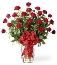 Sevgilime sıradışı hediye güller 24 gül  İzmit çiçek gönderme