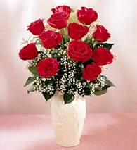 İzmit çiçek servisi , çiçekçi adresleri  9 adet vazoda özel tanzim kirmizi gül