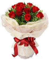 12 adet kırmızı gül buketi  İzmit çiçekçi telefonları