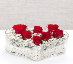 kalp içerisinde 7 adet kırmızı gül  İzmit online çiçekçi , çiçek siparişi