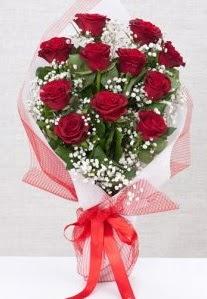 11 kırmızı gülden buket çiçeği  İzmit çiçek gönderme
