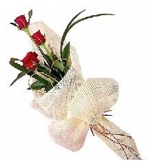 3 adet kırmızı gül buketi  İzmit çiçek siparişi sitesi