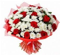 11 adet kırmızı gül ve 1 demet krizantem  İzmit hediye çiçek yolla