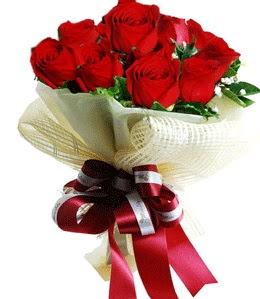 9 adet kırmızı gülden buket tanzimi  İzmit online çiçek gönderme sipariş