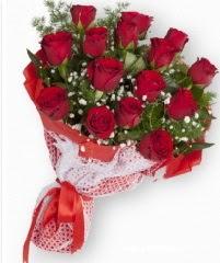 11 adet kırmızı gül buketi  İzmit çiçek gönderme sitemiz güvenlidir