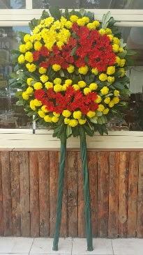 Cenaze çelengi çiçek modeli  İzmit hediye çiçek yolla
