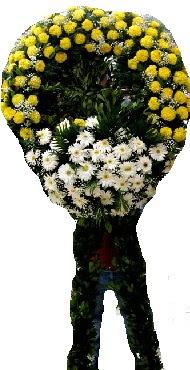 Cenaze çiçek modeli  İzmit yurtiçi ve yurtdışı çiçek siparişi