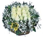 İzmit güvenli kaliteli hızlı çiçek  Beyaz harika bir gül sepeti