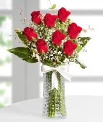 7 Adet vazoda kırmızı gül sevgiliye özel  İzmit çiçek mağazası , çiçekçi adresleri