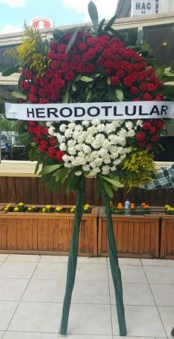 Cenaze çelengi cenazeye çiçek modeli  İzmit 14 şubat sevgililer günü çiçek