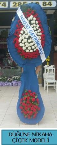 Düğüne nikaha çiçek modeli  İzmit 14 şubat sevgililer günü çiçek